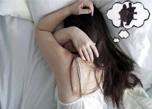 Vợ nằm ngủ mơ chồng đi ngoại tình