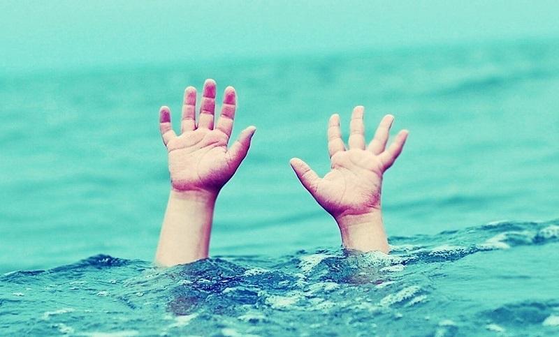 Mơ thấy con trai rơi xuống nước hãy chú ý đến tâm trạng của con bạn