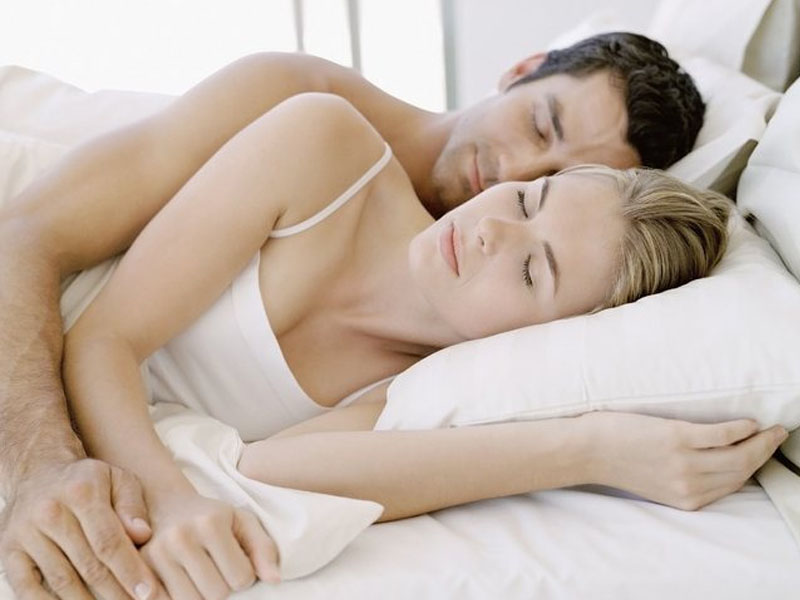 Chiêm bao thấy mình ngủ với gái
