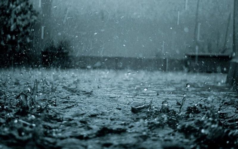 Mơ thấy mưa lớn