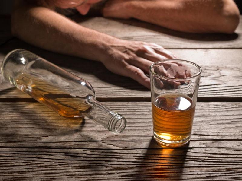 Mơ nghiện rượu là điềm báo gì?