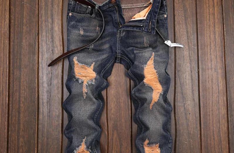 Giải mã giấc mơ thấy quần bị rách từ chuyên gia