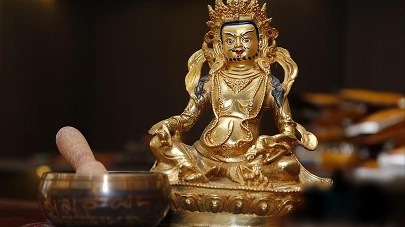 Hoàng Thần Tài đại diện cho 5 vị thần tài trong kinh Phật