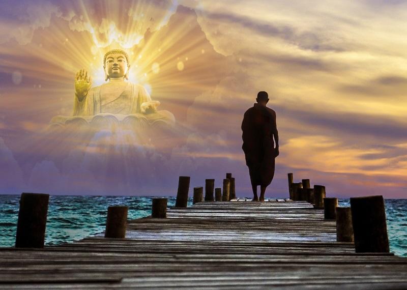 Hoàng Thần Tài nguyện xin Phật Tổ được bảo vệ chúng sinh