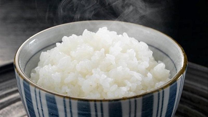 Mơ thấy gạo nấu thành cơm báo hiệu gia đình sung túc