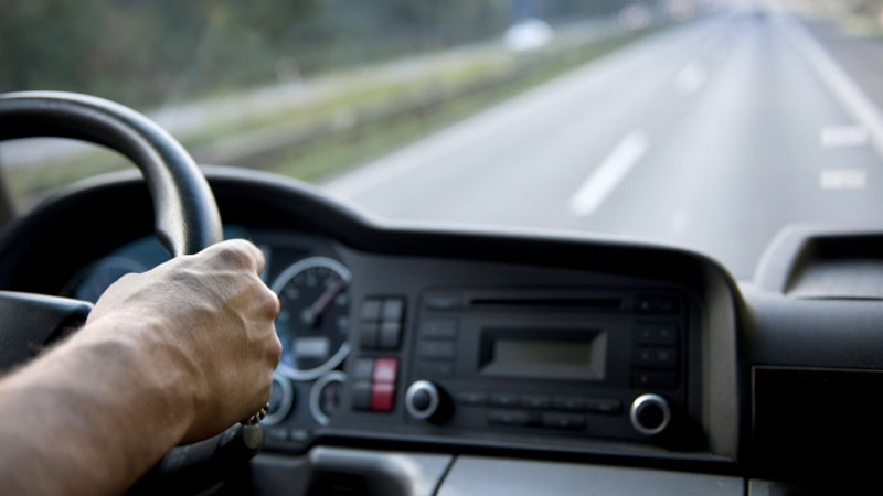 Mình lái xe tải trong mơ có ý nghĩa gì?