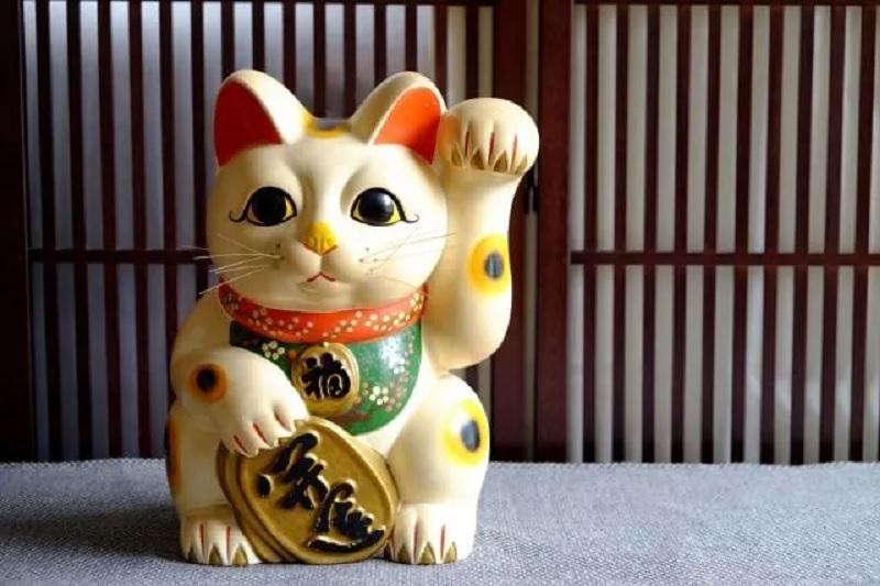 Đặt mèo thần tài hợp phong thủy để mang lại tài lộc, may mắn